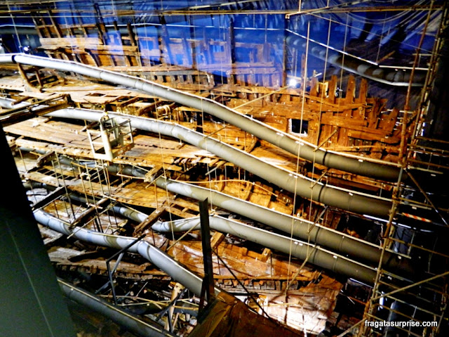 Os restos do casco do navio Mary Rose