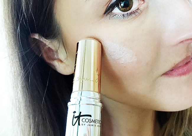 Best Highlighters: It Cosmetics Hello Light Anti-Aging Luminizing Creme Stick