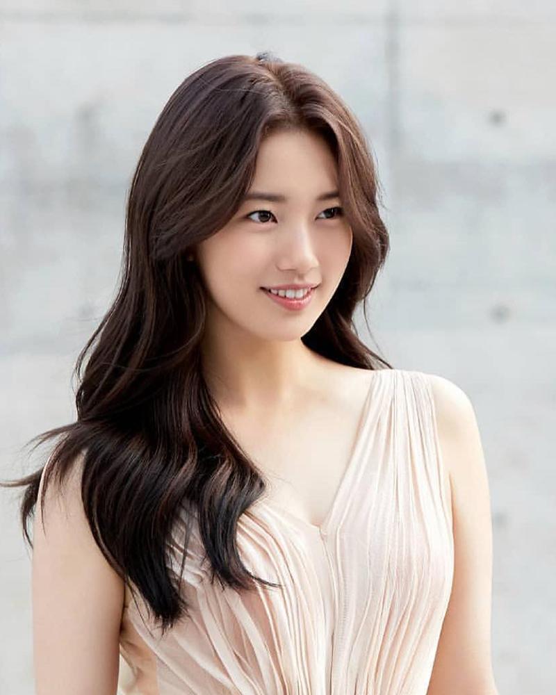 Bae Suzy artis korea selatan seksi tanpa oplas