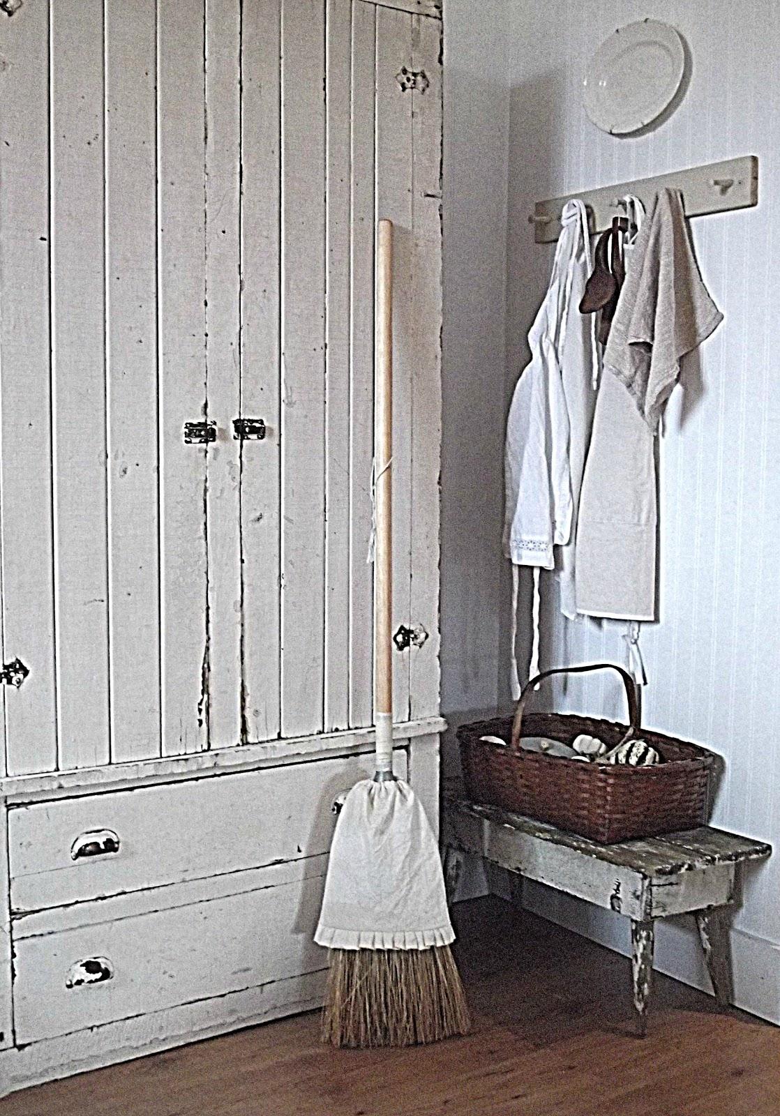 Rustic Farmhouse: Farmhouse Kitchen on Rustic Farmhouse Kitchen  id=54866