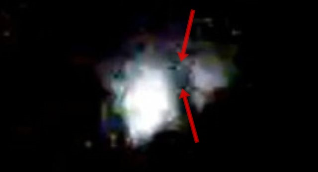 UFO disc coming out of jumpgate in space ?? Ufos-jumpgate-wormhole-space-iss%2B%25281%2529