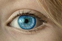 Occhi decongestionati grazie alla camomilla