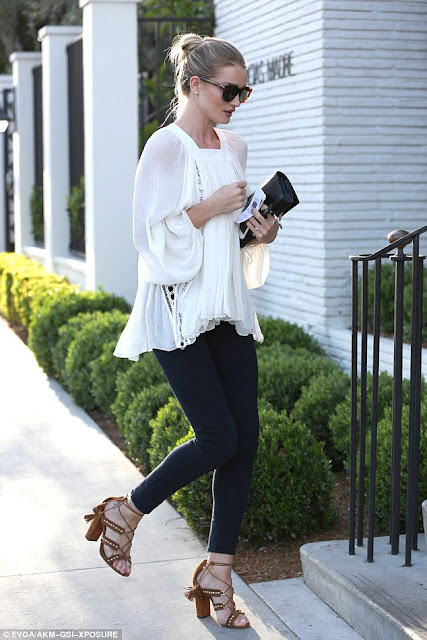 Rosie Huntington-Whiteley in West Hollywood, CA, out to lunch, April 2016, spring, street style, casual outfit