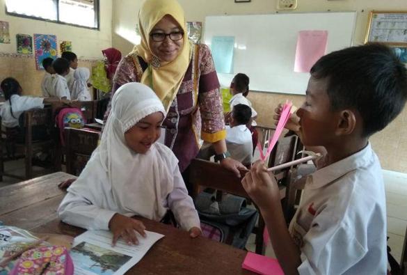 "Melalui ""MIKIR"", Sukanto Tanoto dan Tanoto Foundation Wujudkan Pembelajaran Aktif di SDN 2 Sukorejo"