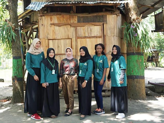 Menanam Pohon Bersama Sekolah Alam Bengawan Solo