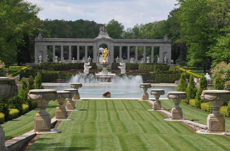 Gardens of the Brandywine Valley: Nemours Mansion & Gardens