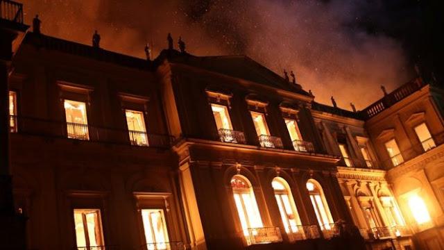 O que tinha no acervo do Museu Nacional do Rio de Janeiro e que foi consumido pelo fogo