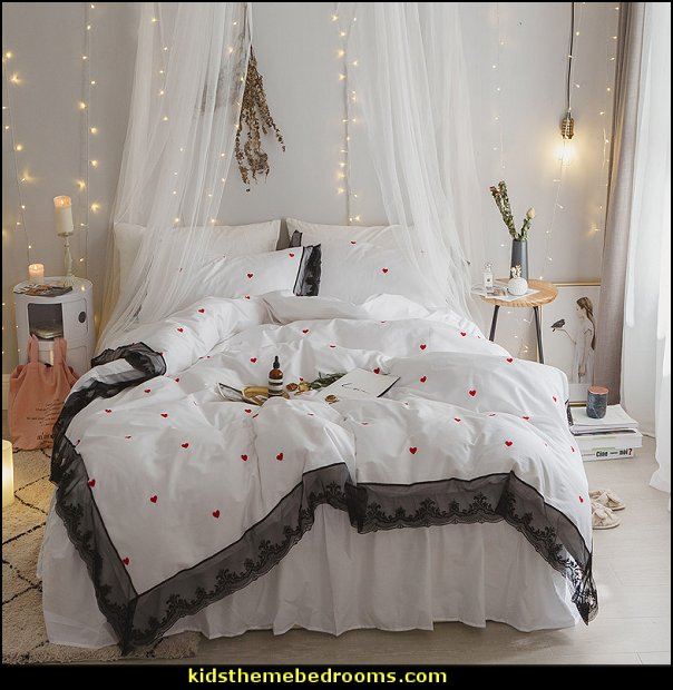bedding - funky cool girls bedding - fashion bedding - girls bedding - teens bedding  - novelty bedding - duvet covers - comforter sets - lace bedding - floral bedding - solid color bedding - fuzzy furry bedding - ruffle bedding - novelty blankets - mermaid blankets - Pompom blanket - Chunky Knit Blankets