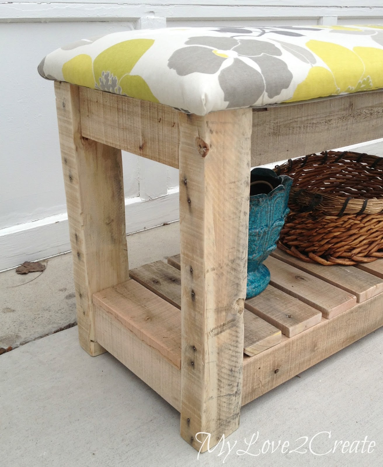 DIY Upholstered Bench | My Love 2 Create