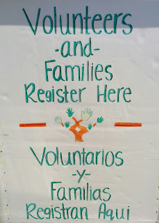 Volunteers -and- Families Register Here -- Voluntarios -y- Familias Registran Aqui