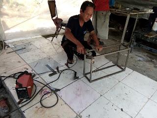 Neon box jamu Air Mancur Serang Banten
