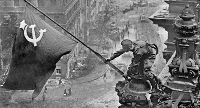 Tóm tắt những điểm cơ bản của trận chiến Berlin giữa Hồng quân và phát xít Đức