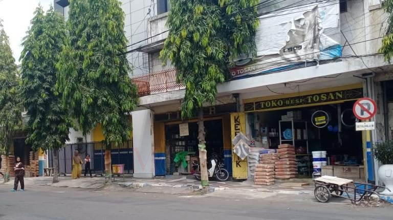 Masyarakat Keluhkan Toko Bangunan 'Nakal' di Jalan PB Sudirman