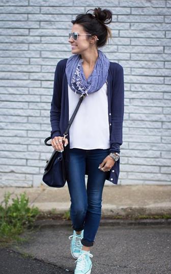Gunakan Perpaduan Syal Dengan Cardigan Agar Penampilan Makin Cantik