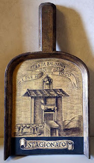 The pala - shovel - given to Mazzoni by the Accademia della Crusca