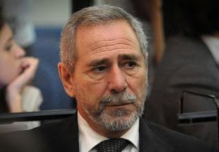 Desde la cárcel de Ezeiza, el ex Secretario de Transporte se quejó por no poder acceder a la televisación de los partidos de fútbol.