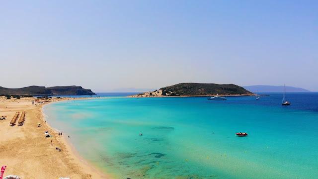 """Σίμος: Η παραλία της... """"Καραϊβικής"""" στην Ελαφόνησο (βίντεο)"""