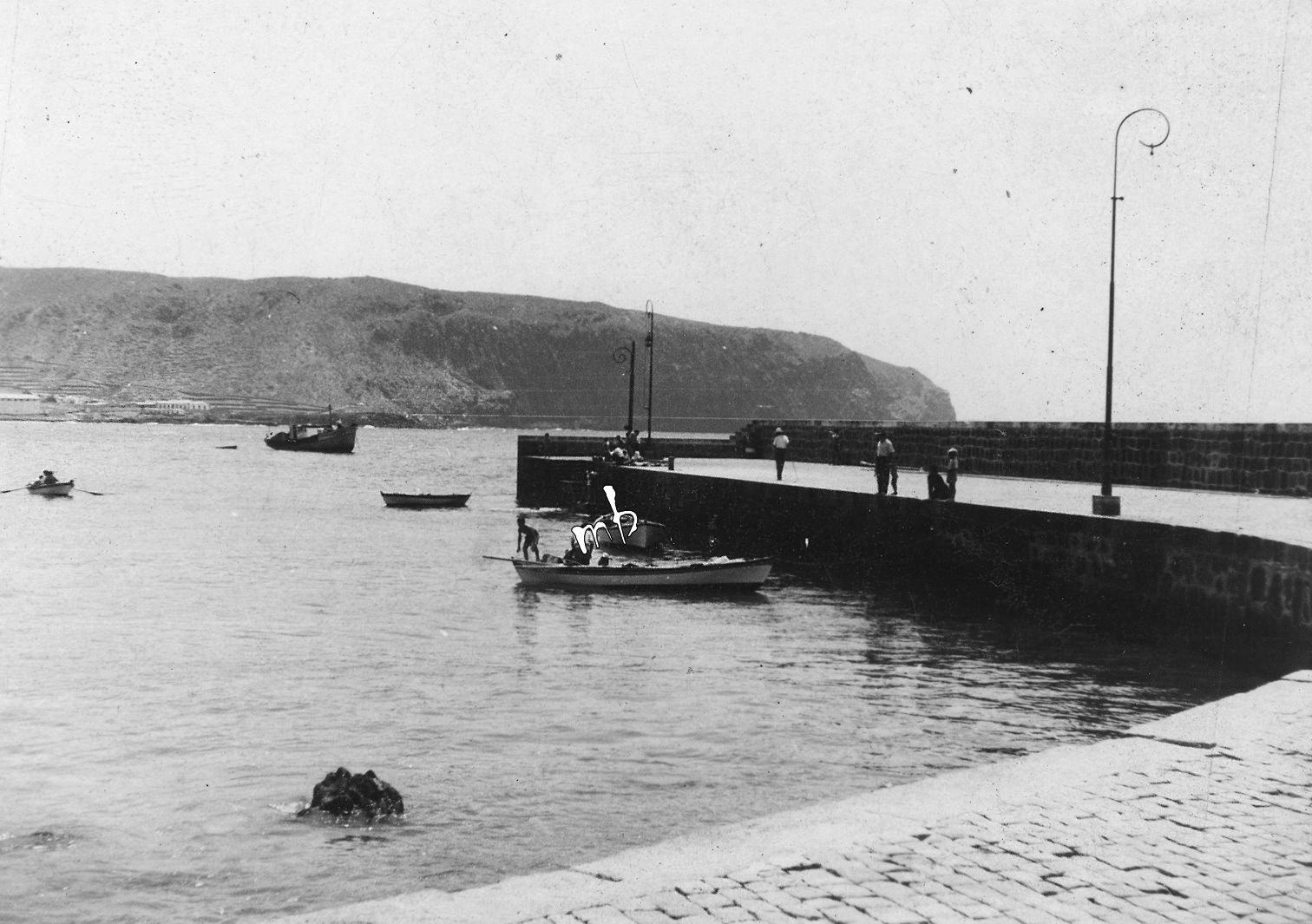 Marcos Brito: Embarcadero de Los Cristianos. Imagen anterior a 1958