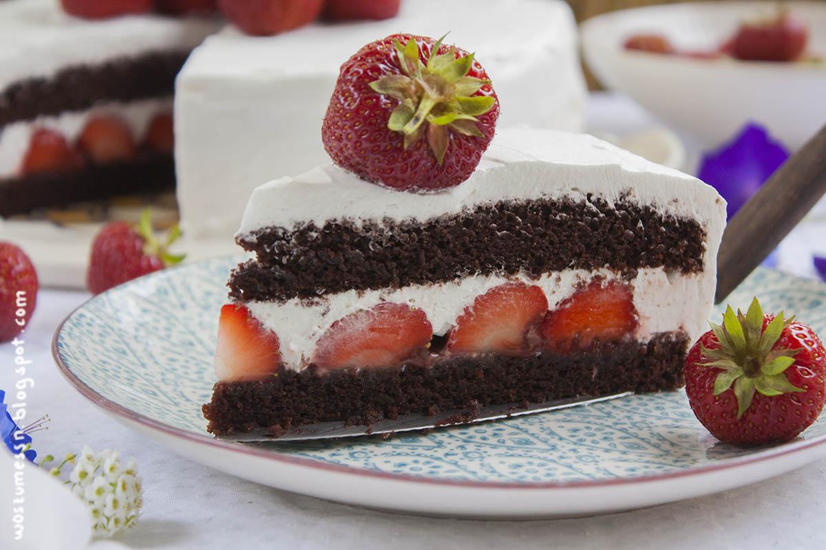 Wos Zum Essn Bunt Blumige Erdbeer Schoko Torte Wie Milchschnitte