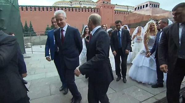 El presidente Putin se convierte en el 'Novio' de todas