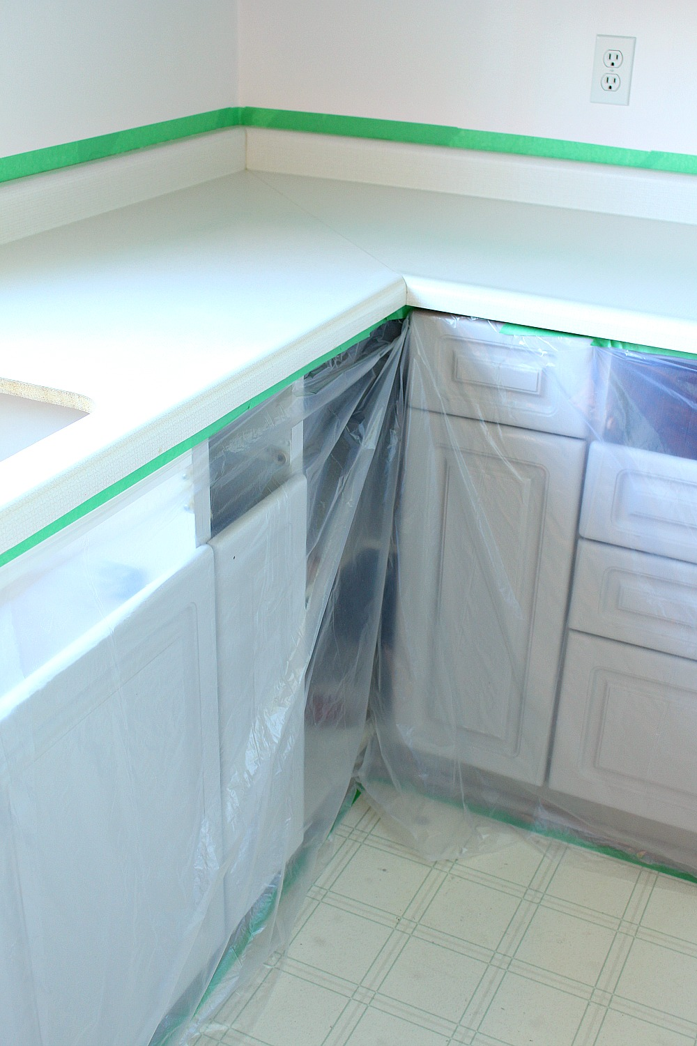 How to repair and refinish laminate counters | Dans le Lakehouse
