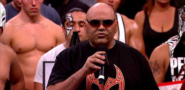 Konnan diz que os fãs precisam se acostumar com lutas de homem contra mulher