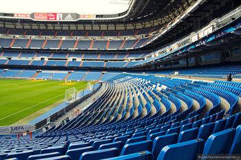 Fachada ocidental do estádio Santiago Bernabeu