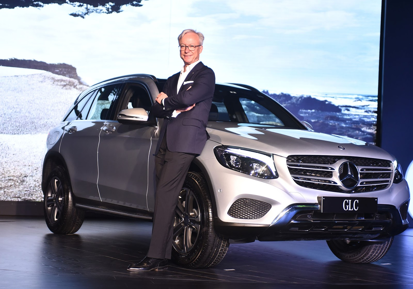Mercedes benz glc 300 edition 1 launched in for Mercedes benz suv india