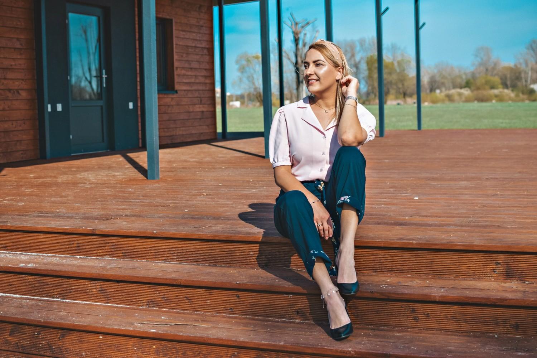 Eleganckie, granatowe damskie spodnie Grace Karin