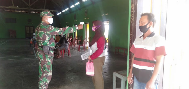 Koramil dan Polsek Wonosari Amankan Penyaluran BST
