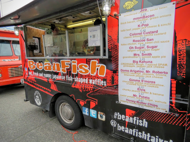 How to Spend a Perfect Sunday in Seattle - Fremont Farmer's Market BeanFish food truck