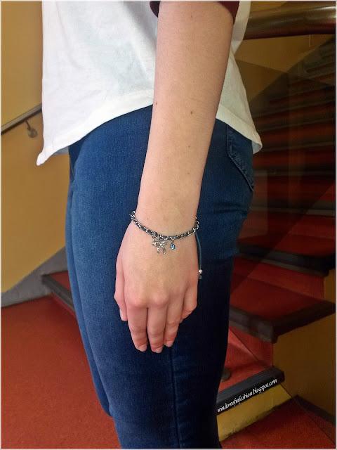 Granatowa bransoletka ze srebrnymi elementami, Sinsay