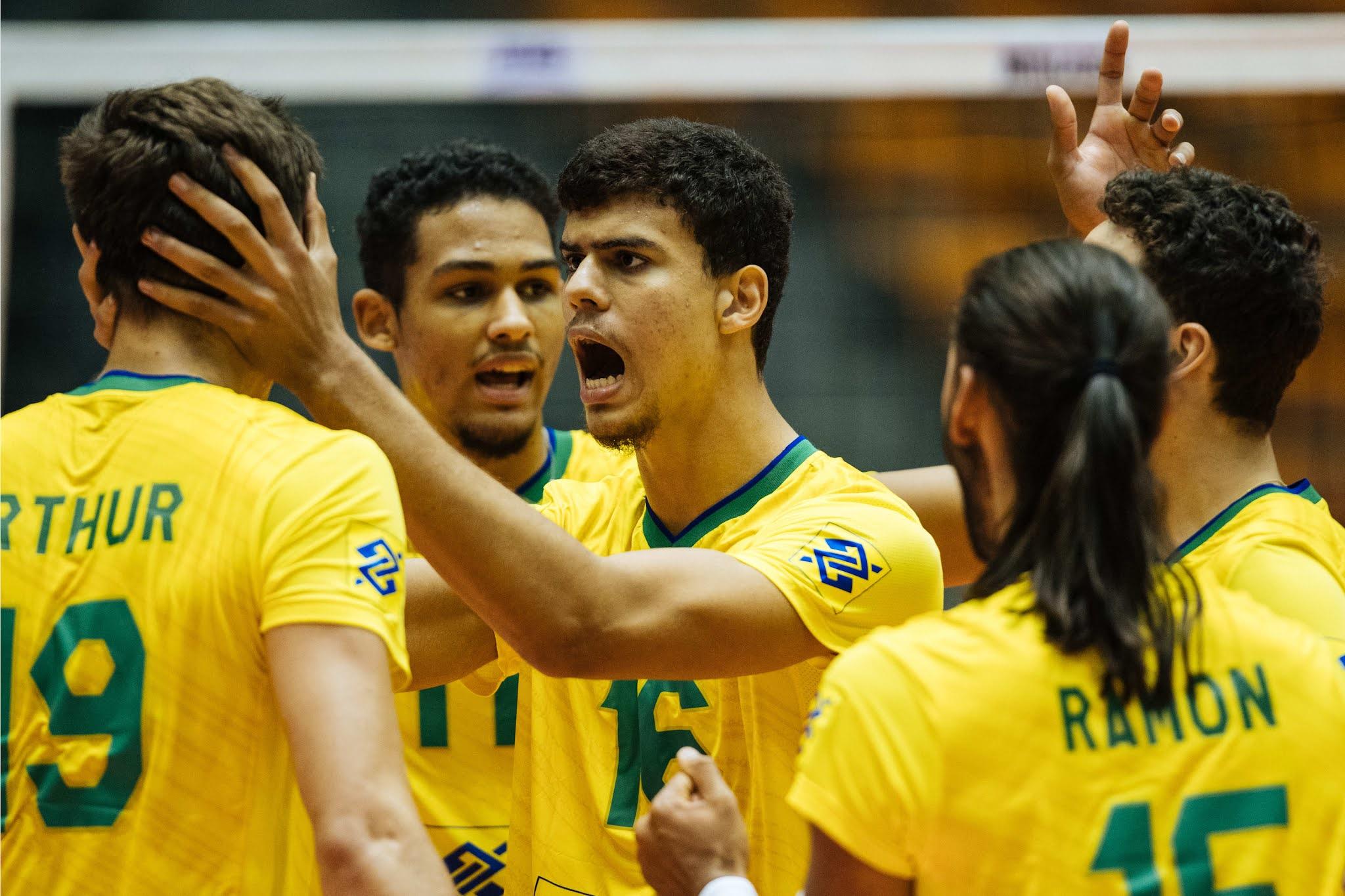 Brasileiros vibram e se abraçam com a vitória