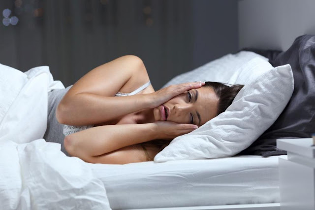 Insomnia deprives us of pleasant emotions and makes us impulsive