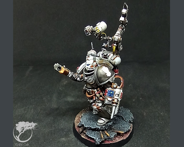 Iron Hands Primaris Apothecary Kitbash