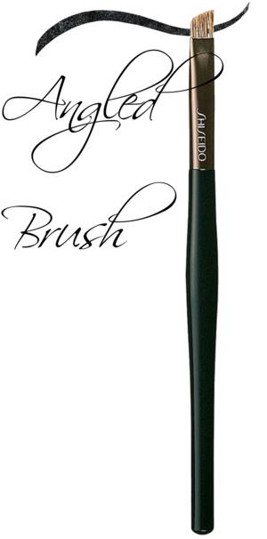 angled makeupbrush