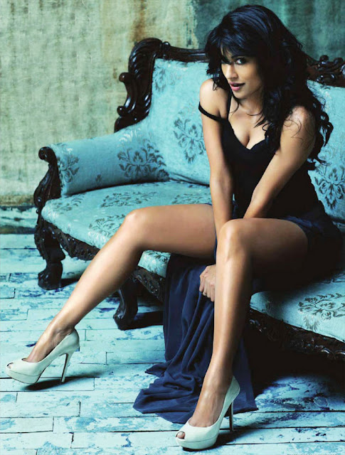 Chitrangda Singh seducing