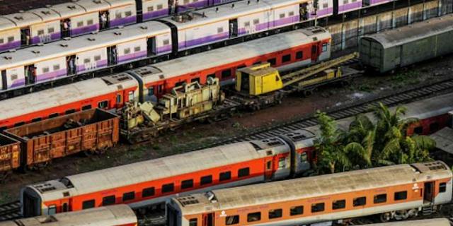 31 मार्च तक सभी ट्रेनें कैंसिल, यात्रियों को मिलेगा रिफंड | NATIONAL NEWS