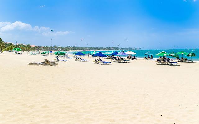 Cabarate & the Beachside Restaurants