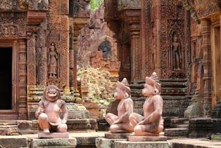 5. Kuil Banteay Srei