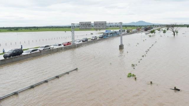 Sejumlah Ruas Jalan Tol Jakarta-Cikampek Terendam Banjir, Tidak Bisa Dilewati Mobil Kecil