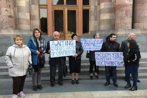 Refugiados de Azerbaiyán esperan aún viviendas