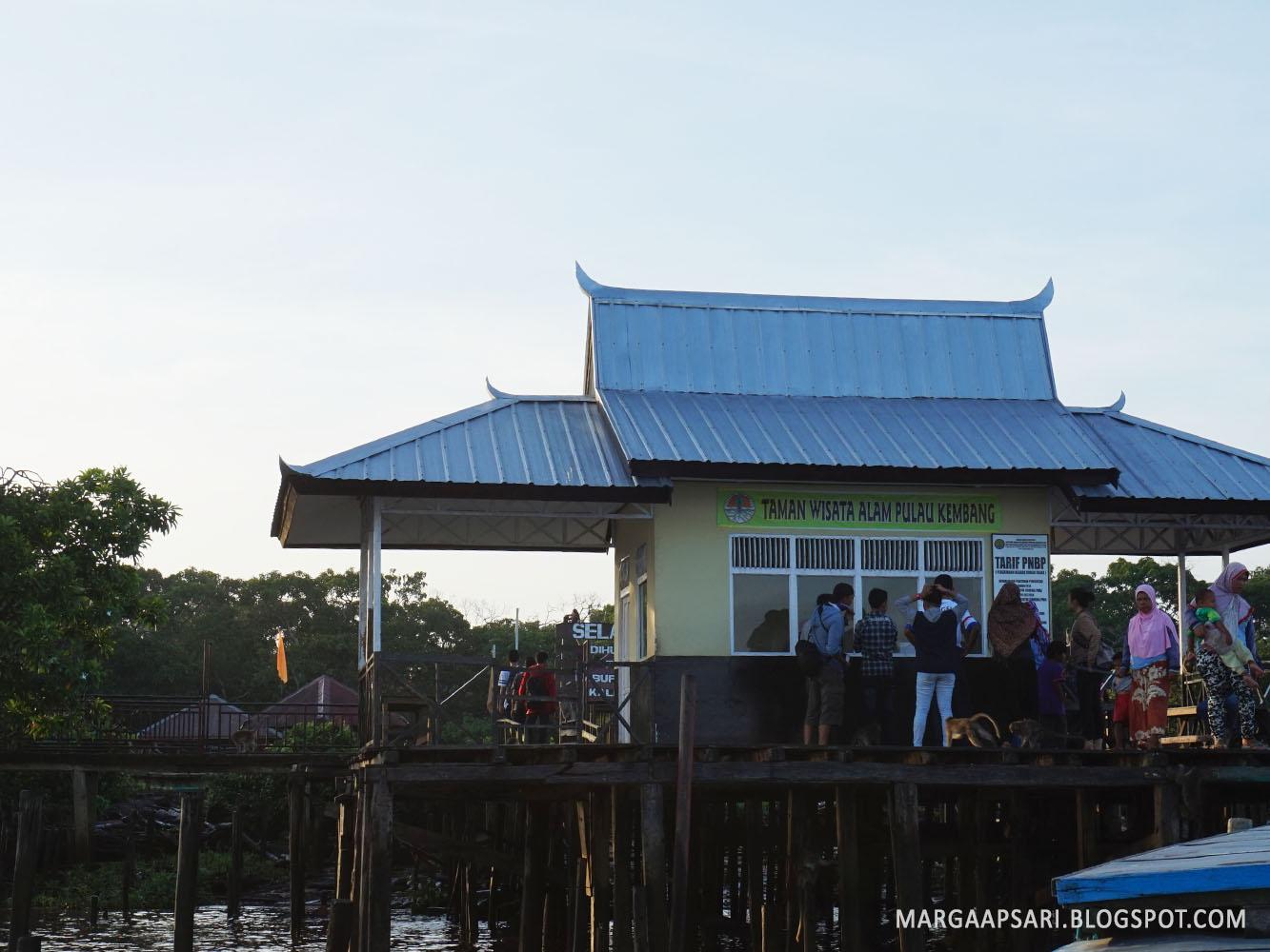 Wisata Banjarmasin Naik Klotok Ke Pasar Terapung Pulau Kembang Marga S Bucket List