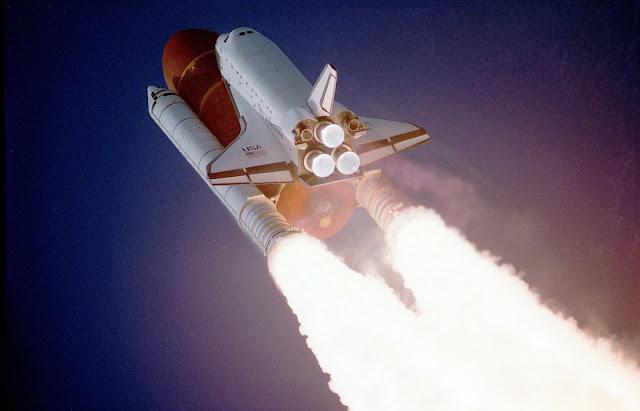 Pengertian Roket