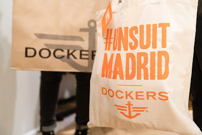 Smart 360 Flex, Khakis, Dockers, #UNSUIT, Unsuit, Fuencarral, Madrid, flagship store, fiesta, pantalones, chinos, blog moda masculina, moda masculina,