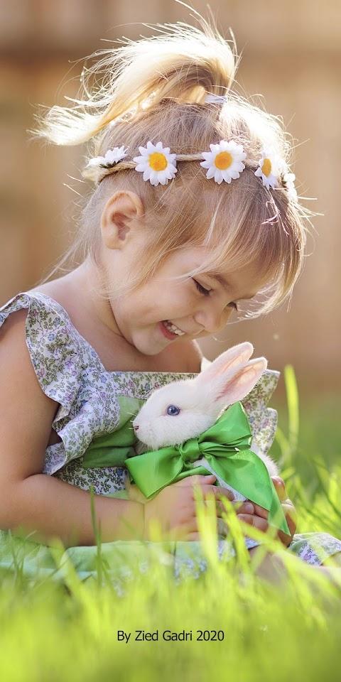 Hình Nền Cute Cho Điện Thoại Cảm Ứng Bé Gái Và Thỏ Trắng