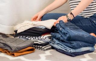 Cara Melipat Pakaian dengan Rapi dan Cepat