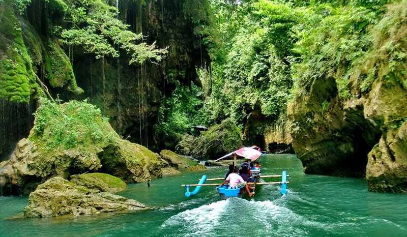 Green Canyon Body Rafting Pangandaran
