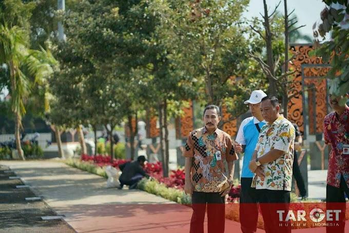 Revitalisasi Tuntas, Bupati Haryanto Ungkap Kapan Alun Alun Dibuka Untuk Umum