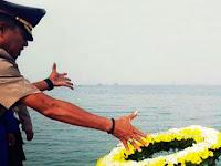 Sambut HUT Bhayangkara Ke-73 Polres Pangkep Tabur Bunga Di TMP Matampa dan Laut Pangkep